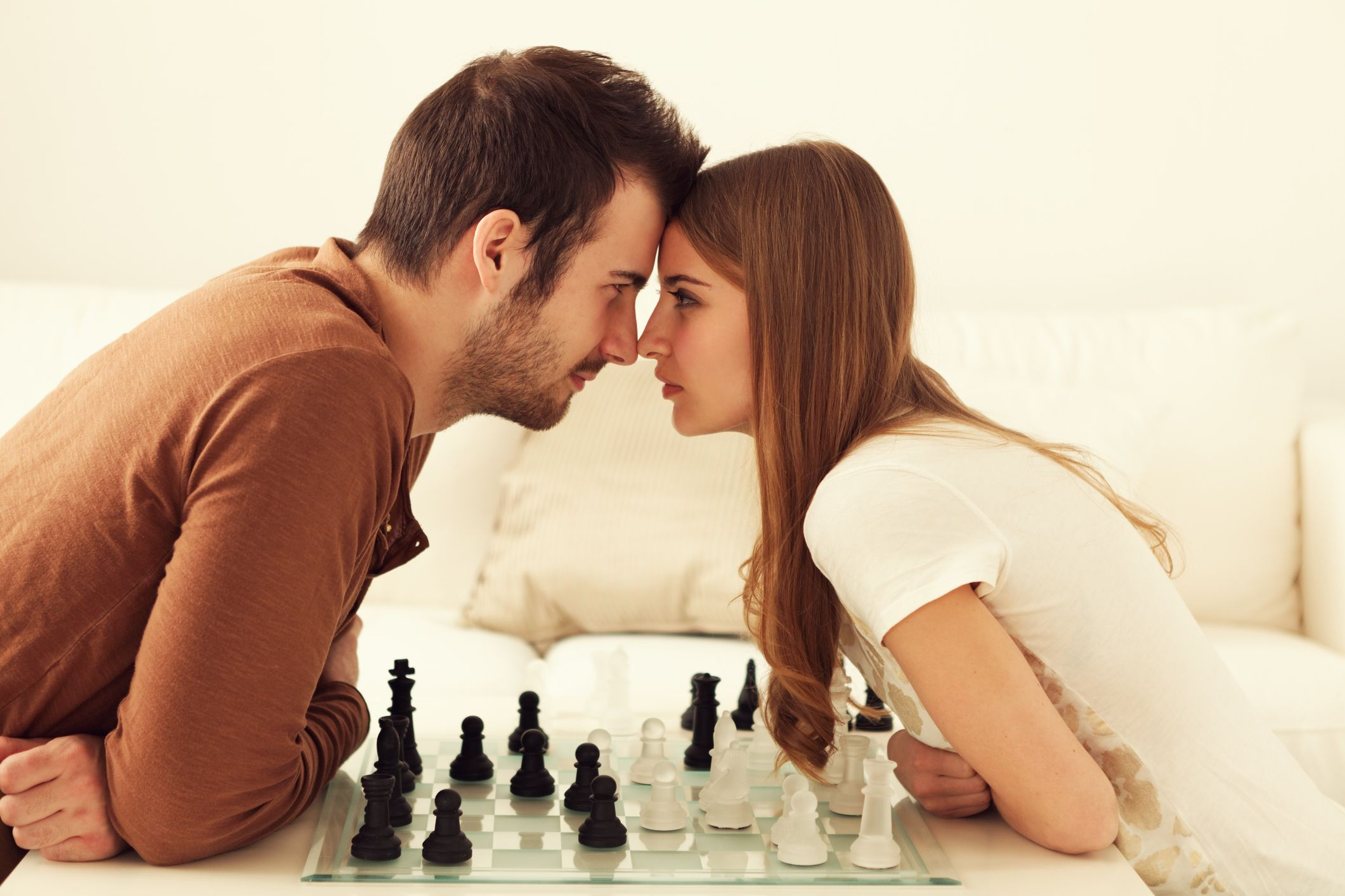20+ Interesting Couple Games to Play Anytime